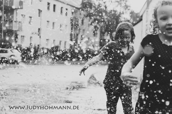 Kinderfotos_im_Regen_Judy_Hohmann
