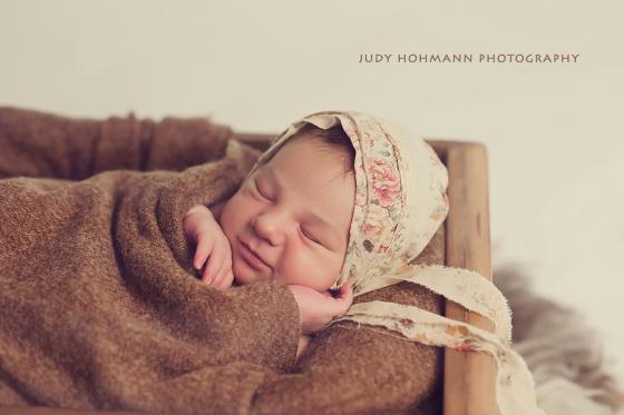 lachelndes_baby_newborn_judy_hohmann