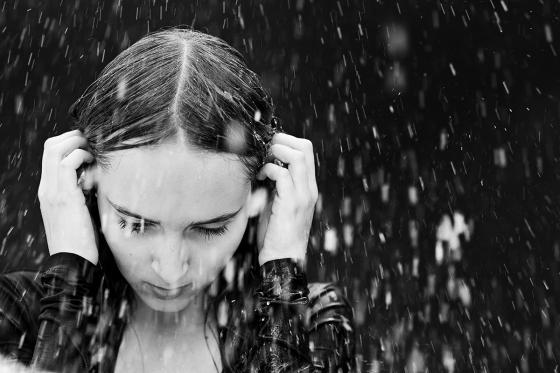 Teenager_melancholisch_Regen