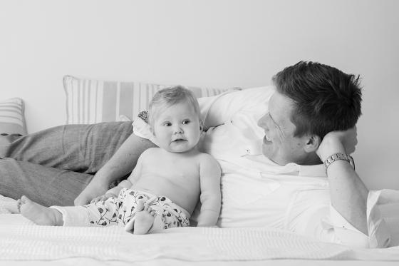 Baby_mit_Papa_Fotograf